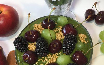 Crema de espinacas, frutas y vegetales- Smoothie bowl ANA
